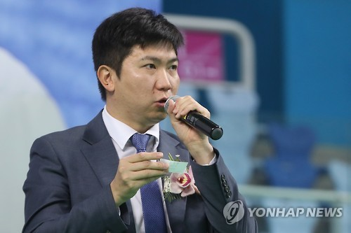 In this file photo taken on March 11, 2017, Ryu Seung-min, the lone South Korean member of the International Olympic Committee, speaks during a local table tennis tournament in Incheon. (Yonhap)
