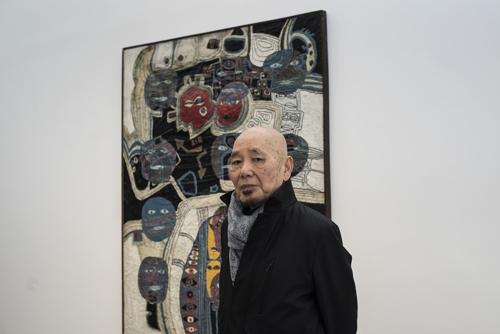 This photo provided by Seoul's Gallery Hyundai on Jan. 11, 2018, shows artist Kwak Duck-jun. (Yonhap)