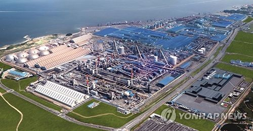 This aerial photo provided by Hyundai Steel shows the company's plant in Dangjin, about 120 kilometers of southwest of Seoul. (Yonhap)