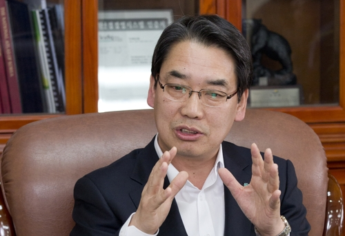 Lee Soon-sun, governor of Inje County, speaks during an interview with Yonhap News Agency at his office on Jan. 30, 2018. (Yonhap)