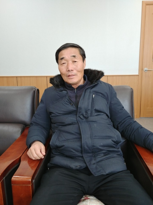 Lee Wan-bae, the head of Unification Village, talks to Yonhap News Agency in Tongilchon, Paju, Gyeonggi Province, on Jan. 26, 2018. (Yonhap)