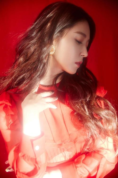 """A teaser image of BoA's new album """"One Shot, Two Shot"""" (Yonhap)"""