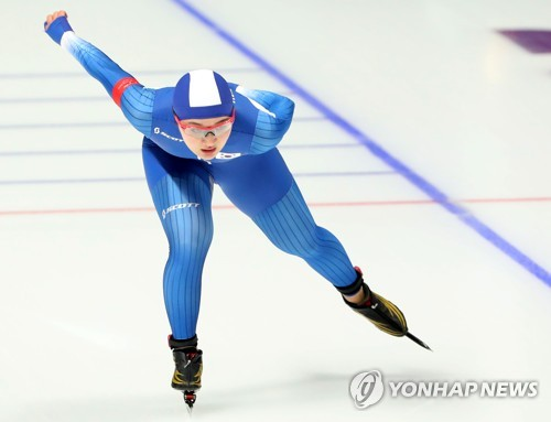 South Korea's Park Seung-hi skates at the women's 1,000m speed skating event of the 2018 PyeongChang Winter Olympics in the Gangneung Oval on Feb. 14, 2018. (Yonhap)