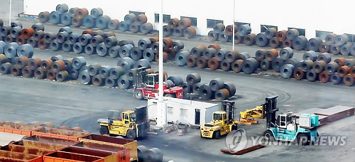 Hot-rolled steel plates are stored in Hyundai Steel's plant in Dangjin, 123 kilometers south of Seoul, on Feb. 19, 2018. (Yonhap)