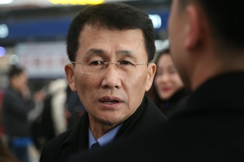 Choe Kang-il, deputy director-general for North American affairs at the foreign ministry, is seen at Beijing Capital International Airport on March 18, 2018, before boarding a flight to Finland. (Yonhap)