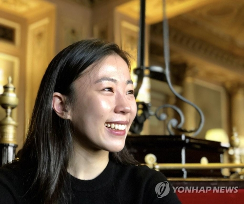 Ballerian Park Sae-eun smiles during an interview with Yonhap News Agency in Paris on March 20, 2018. (Yonhap)