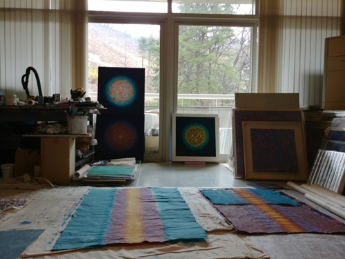 This photo shows South Korean artist Bang Hai-ja's studio at Youngeun Museum in Gwangju on the outskirts of Seoul, where she has been taking an art residency program, on April 6, 2018. (Yonhap)