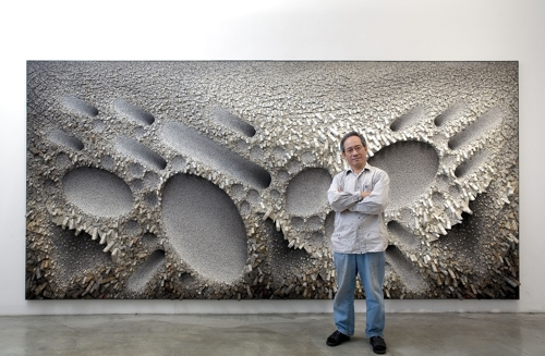 This photo provided by Chun Kwang-young and PKM Gallery shows the artist Chun. (Yonhap)