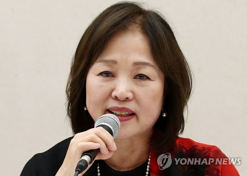 This photo shows Park In-ja, the creative director for the 2018 Ballet Festival Korea, speaking at a press conference on May 16, 2018. (Yonhap)