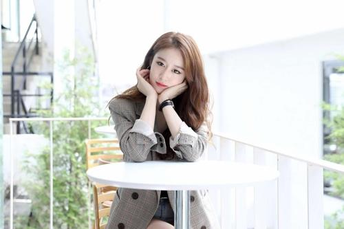 This photo of Jiyeon was provided by Longzhen Cultural Development, her new agency. (Yonhap)