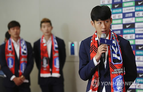 South Korean football forward Son Heung-min speaks during an interview at Incheon International Airport after arriving back from the FIFA World Cup in Russia on June 29, 2018. (Yonhap)