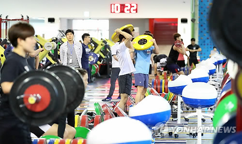 South Korean athletes train at a gym at National Training Center in Jincheon, North Chungcheong Province, on July 10, 2018. (Yonhap)