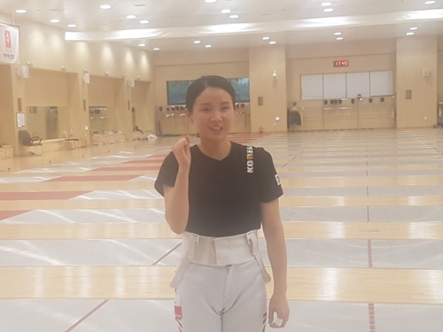 South Korean fencer Nam Hyun-hee poses for a photo after training for the 2018 Asian Games at the National Training Center in Jincheon, North Chungcheong Province, on July 10, 2018. (Yonhap)