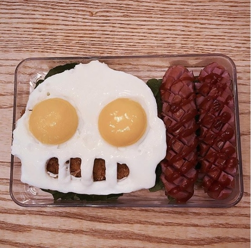 This photo provided by comedian Jeong Jong-chul shows a lunch box he made for his son. (Yonhap)