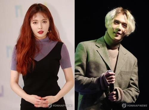These images show K-pop diva HyunA (L) and E'Dawn. (Yonhap)