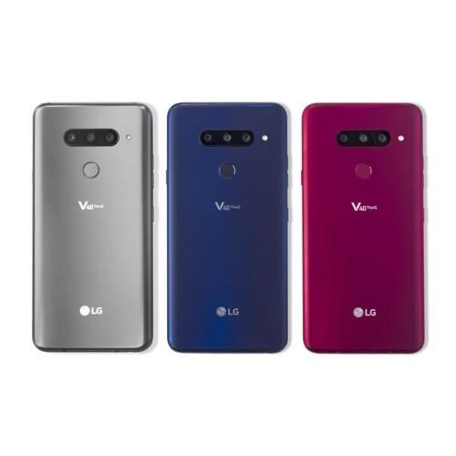 This photo provided by LG Electronics Inc. shows the company's new flagship smartphone, the V40 ThinQ. (Yonhap)