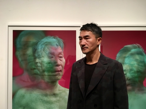 This photo provided by Hakgojae Gallery in Seoul on Oct. 18, 2018, shows photographer Kwon Sun-kwan. (Yonhap)