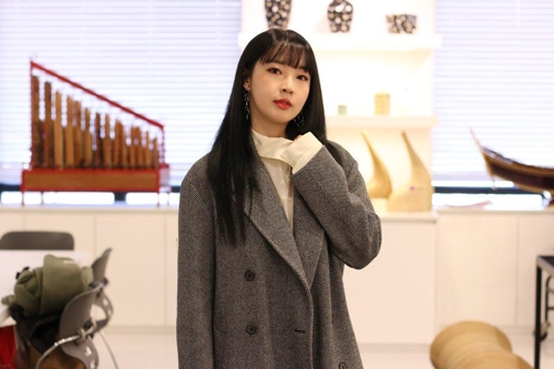 """This image shows Jeon Ji-yoon, a former member of 4Minute, who releases her new solo digital single """"Shower"""" on Oct. 31, 2018. (Yonhap)"""