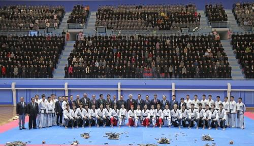 This photo taken on Nov. 2, 2018, shows taekwondo officials and demonstration teams from the World Taekwondo and the  International Taekwondo Federation posing at Taekwondo Hall in Pyongyang. (Yonhap)