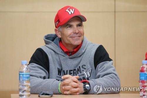Trey Hillman, manager of the SK Wyverns, speaks to reporters before Game 4 of the Korean Series against the Doosan Bears at SK Happy Dream Park in Incheon, 40 kilometers west of Seoul, on Nov. 9, 2018. (Yonhap)