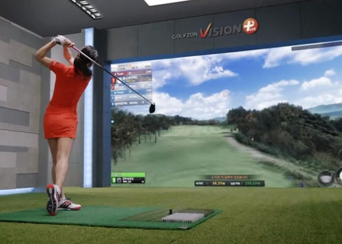 (Yonhap Feature) 'Screen golf' expands scope of teeing up in S. Korea
