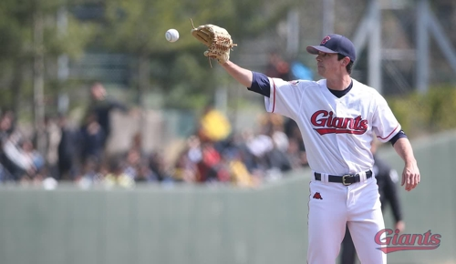 To get an edge on hitters, KBO pitcher puts faith in advanced metrics