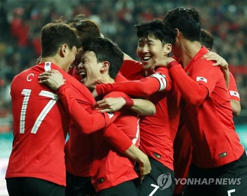 S. Korea's 4-4-2 with Son Heung-min shift produces narrow win vs. Colombia
