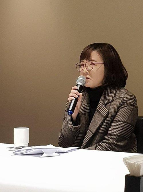 (Yonhap Interview) Author Yun I-hyeong espouses political power of trivial feminine story