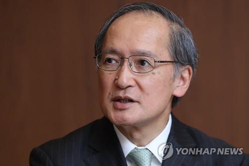 L'ambassadeur japonais en Corée du Sud, Yasumasa Nagamine, accorde une interview à l'agence de presse Yonhap