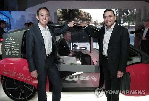 Le prototype de voiture autonome Oasis développé par Harman International Industries, entreprise américaine rachetée par Samsung Electronics en mars dernier, et présenté au Hard Rock Hotel & Casino de Las Vegas, le 5 janvier 2017.