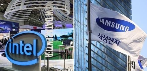 Les emblèmes des deux principaux concurrents sur le marché mondial des semi-conducteurs, Intel (à gauche) et Samsung Electronics (Xinhua/Yonhap)