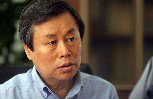 Le ministre de la Culture, du Sport et du Tourisme Do Jong-hwan accorde une interview à l'agence de presse Yonhap