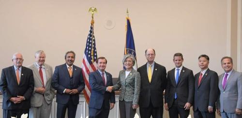 La ministre des Affaires étrangères Kang Kyung-wha rencontre des membres de la commission des affaires étrangères de la Chambre des représentants des Etats-Unis © Ambassade sud-coréenne aux Etats-Unis