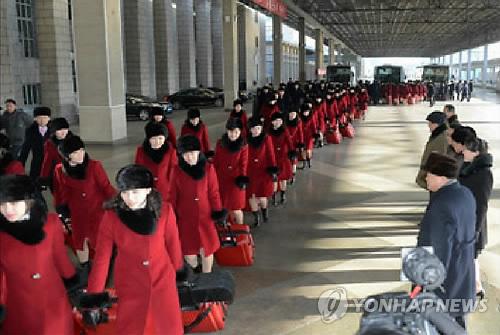 La troupe artistique nord-coréenne quitte Pyongyang le lundi 5 février 2018 pour se diriger vers la Corée du Sud afin de donner des spectacles à Gangneung et Séoul dans le cadre des Jeux olympiques d'hiver de PyeongChang, a rapporté le lendemain l'Agence centrale de presse nord-coréenne (KCNA). (Utilisation en Corée du Sud uniquement et redistribution interdite)