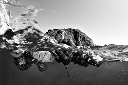 Scène du documentaire «Haenyeo: le pouvoir de la mer».