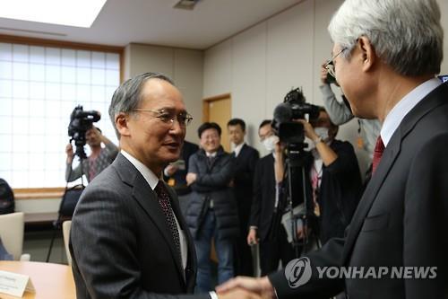長嶺安政・駐韓日本大使 来週着...