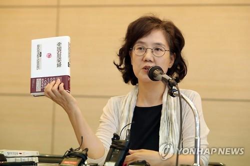 7月11日、ソウル市内で記者会見を行う朴氏=(聯合ニュース)