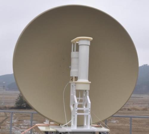 国防科学研究所が開発した高出力EMP発生装置(提供写真)=(聯合ニュース)