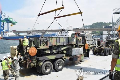 昨年7月、釜山港に到着した在日米軍のパトリオット(米第8軍ホームページより)=(聯合ニュース)