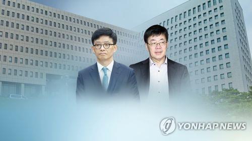 李永烈氏(右)と安兌根氏(資料写真)=(聯合ニュース)
