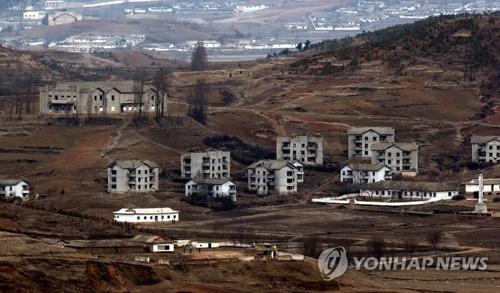 金浦から見える北朝鮮の村(資料写真)=(聯合ニュース)