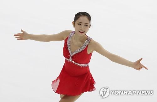フリーの演技で氷上を舞う崔多彬=30日、ソウル(聯合ニュース)