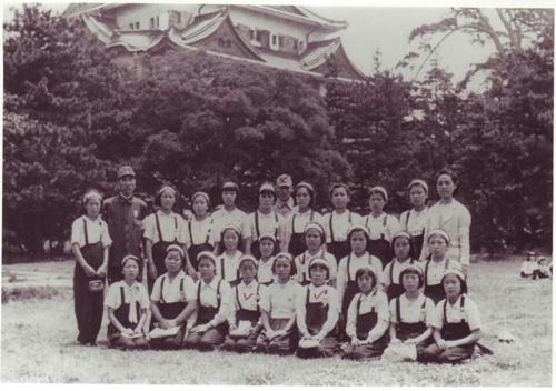 三菱の勤労挺身隊に動員された女性たち(勤労挺身隊ハルモニとともにする市民の集まり提供)=(聯合ニュース)