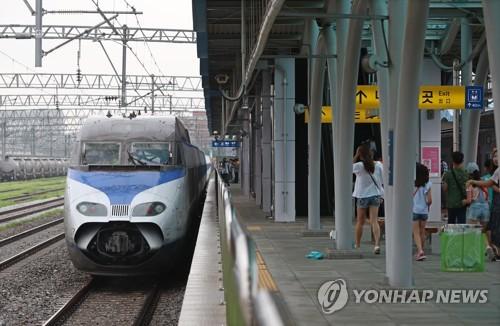 平昌五輪で輸送の一翼を担う高速鉄道(資料写真)=(聯合ニュース)