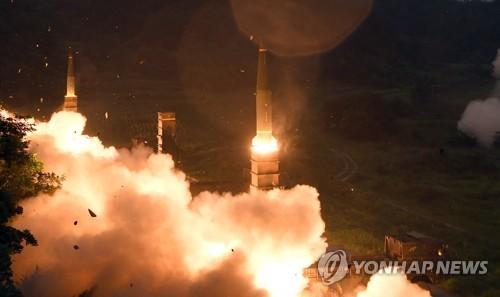 7月29日に実施された玄武2の発射実験(合同参謀本部提供)=(聯合ニュース)
