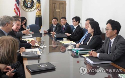 ワシントンで4日(米東部時間)に開催された韓米FTAに関する2回目の共同委員会(産業通商資源部提供)=(聯合ニュース)