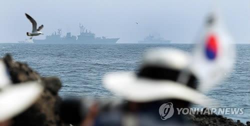 今年6月の独島防衛訓練に参加した艦艇(資料写真)=(聯合ニュース)