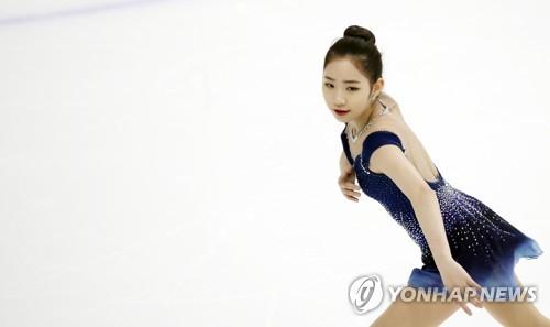 最終選考会で演技を披露する崔=7日、ソウル(聯合ニュース)