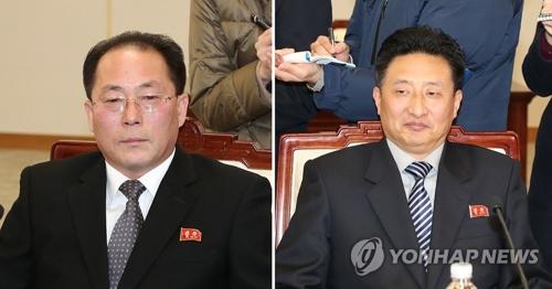 北朝鮮の田鍾秀氏と元吉宇氏=(写真共同取材団=聯合ニュース)