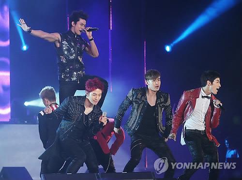 2PM(資料写真)=(聯合ニュース)